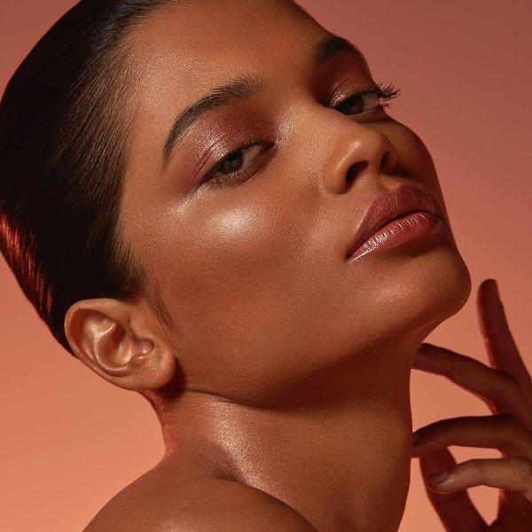 Efekt mokre šminke