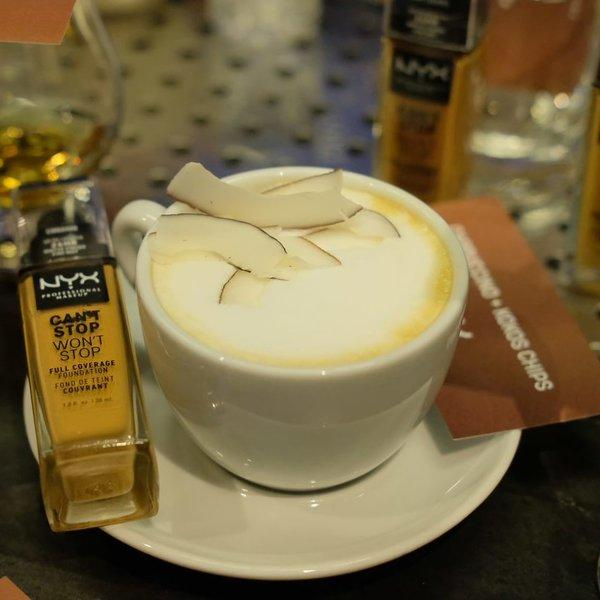 Događaj koji se prepričava kava, šminka i influenceri