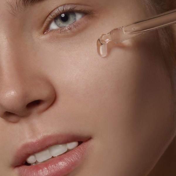 Što je serum za lice i zašto ga trebaš koristiti