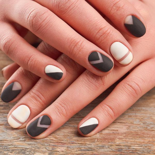 Naša nova zimska opsesija: Mat nokti
