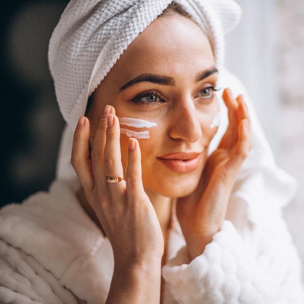 Kako se zaštititi od sunca i usporiti starenje kože lica
