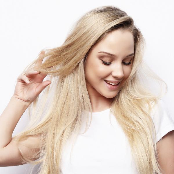 Bojenje plave kose kod kuće: Trikovi uz koje više neće biti žutih tonova